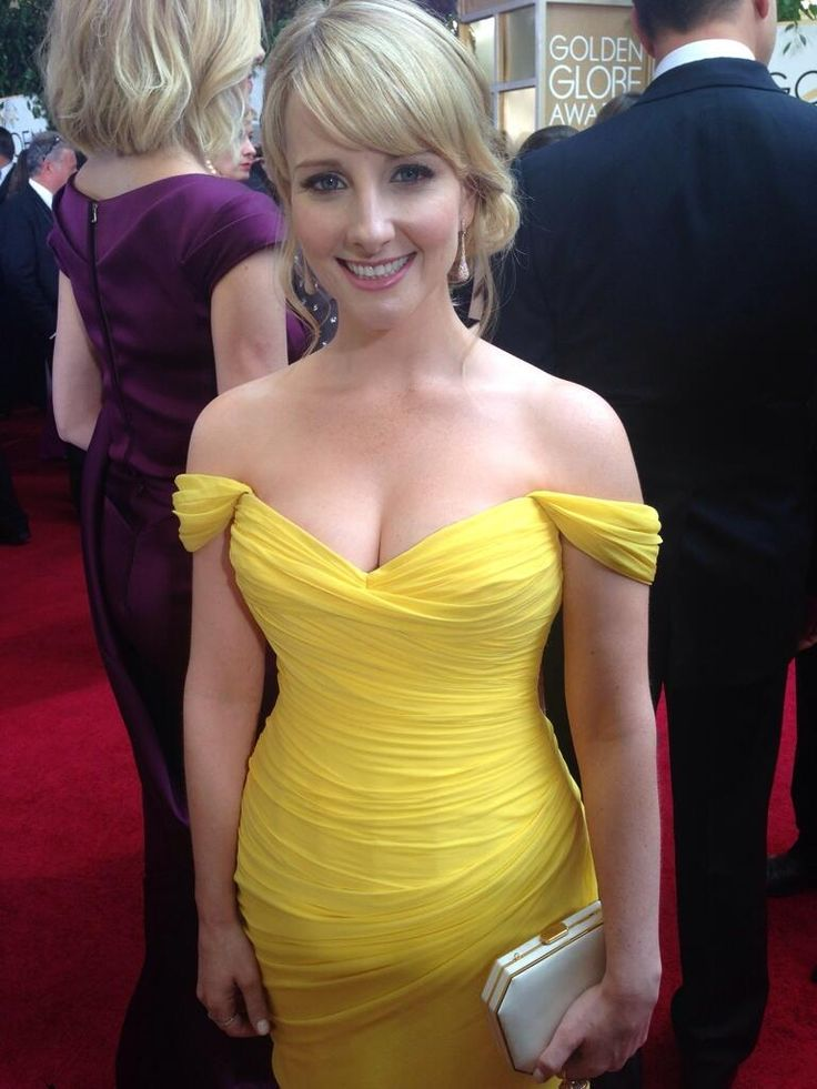 E News On News And Melissa Rauch