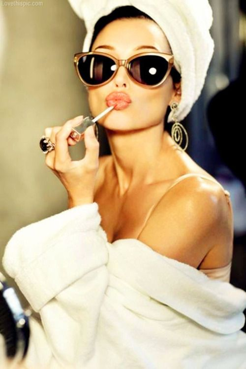 Lip gloss fashion makeup sunglasses gold jewelry fashion photography  #retro #sunglasses #vinatge