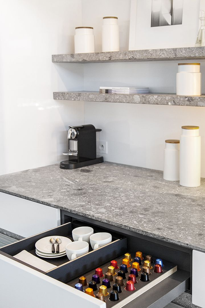 Obumex is the reference for the design of contemporary, modern and minimalistic kitchens, with or without cooking island. Have a look at some of our kitchen projects.