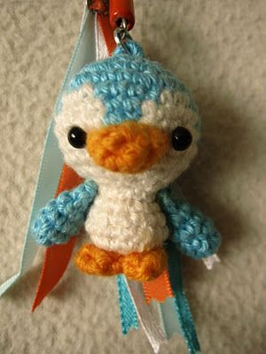 annekids: Pinguin; click on the link in the text to get the English pattern