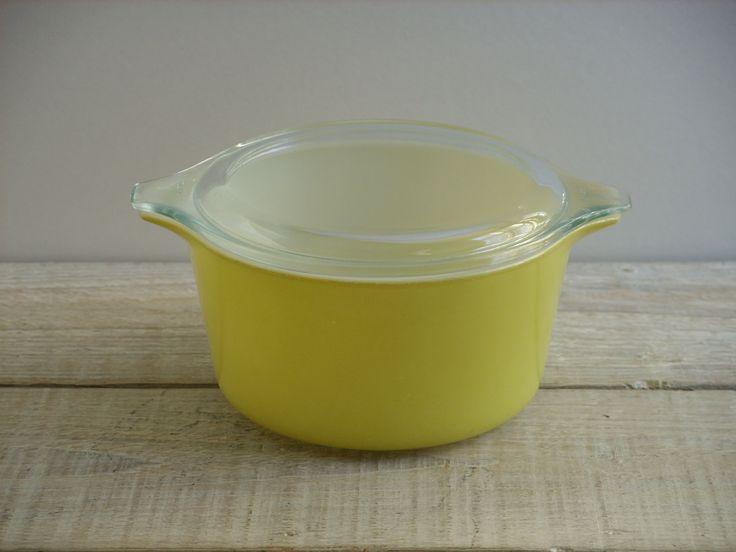 Vintage Yellow Pyrex Casserole Dish #473 ~ 1 Quart Ovenware ~ Lid 470-C by RetrOAmyO on Etsy