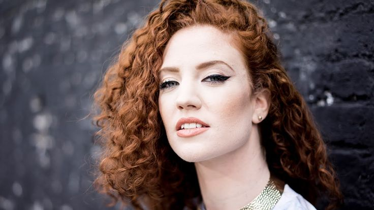 Jess Glynne - Right Here [Official Video]