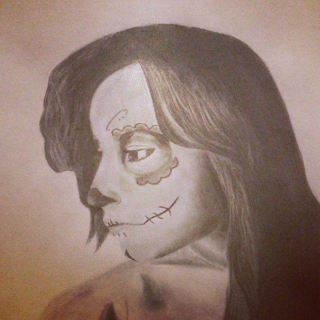 Autor: Nestor Manuel Guerrero. Dibujo a lápiz. Chica maquillaje mejicano. Adición.