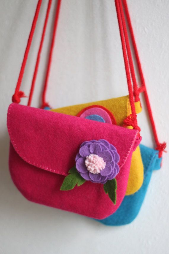 Kawaii pochette  in felt on Etsy, $32.77