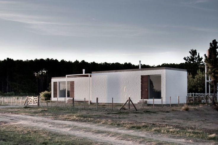 Estudio BaBO, Curro Palacios Taberne · ZAG House. Uruguay · Divisare