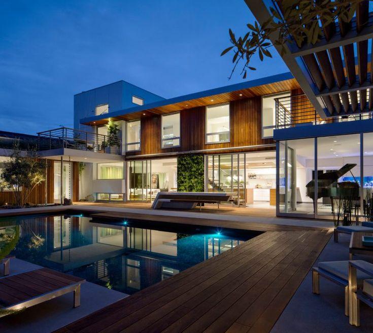 Modernes haus grundriss mit pool for Modernes haus mit holzfenster