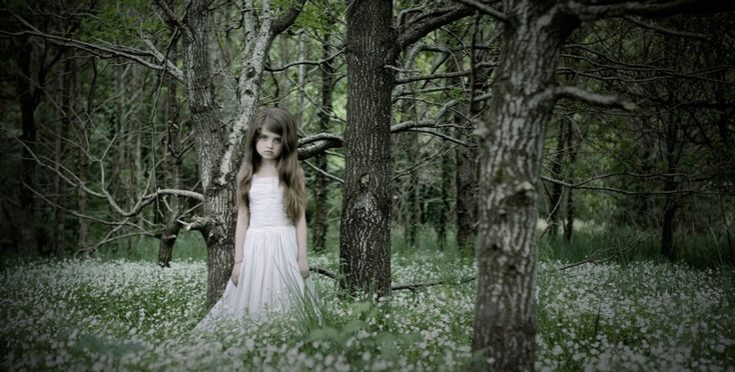 Through a Lens, Darkly | KiD-IN | Cécile Decorniquet Photographe