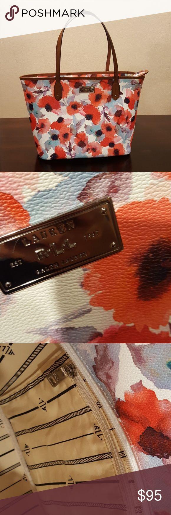 Ralph Lauren tote bag Spring floral Ralph Lauren tote. Perfect for spring and summer! Ralph Lauren Bags Totes