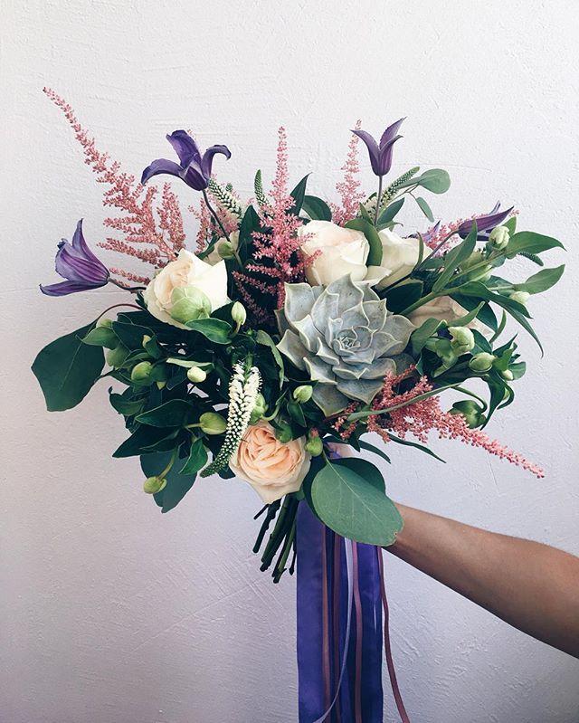 Да! Это любовь! Букет для самой-самой милой, самой позитивной и просто классной лапуси @tanya_shatskaya  с пионовидными розами, астильбой, вероникой, клематисом и суккулентом! сегодня супер-день! #tavenko_to_be #wedding_art_decor #wed_art #wedart #wedding_art #instalike #instalove #l4l #likeforlike #bouquet #bridebouquet #vsco #vscocam #букеткиев #свадебныйбукеткиев #хештеговмногонебывает