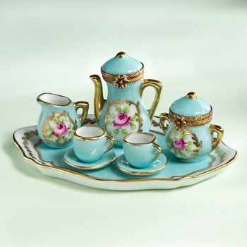 Turquoise limoges tea set Delightful! - Would love to see it on The Aladdin Tea Cart by Ferd Sobol.