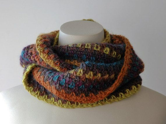 Such lush colours in this crocheted wool infinity cowl by KororaCrafters