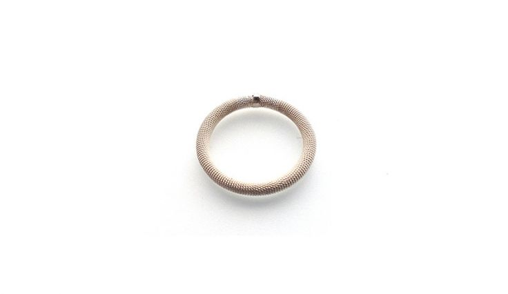 Liliana Guerreiro | Collections - Handmade silver ring, using a filigree technique, thread