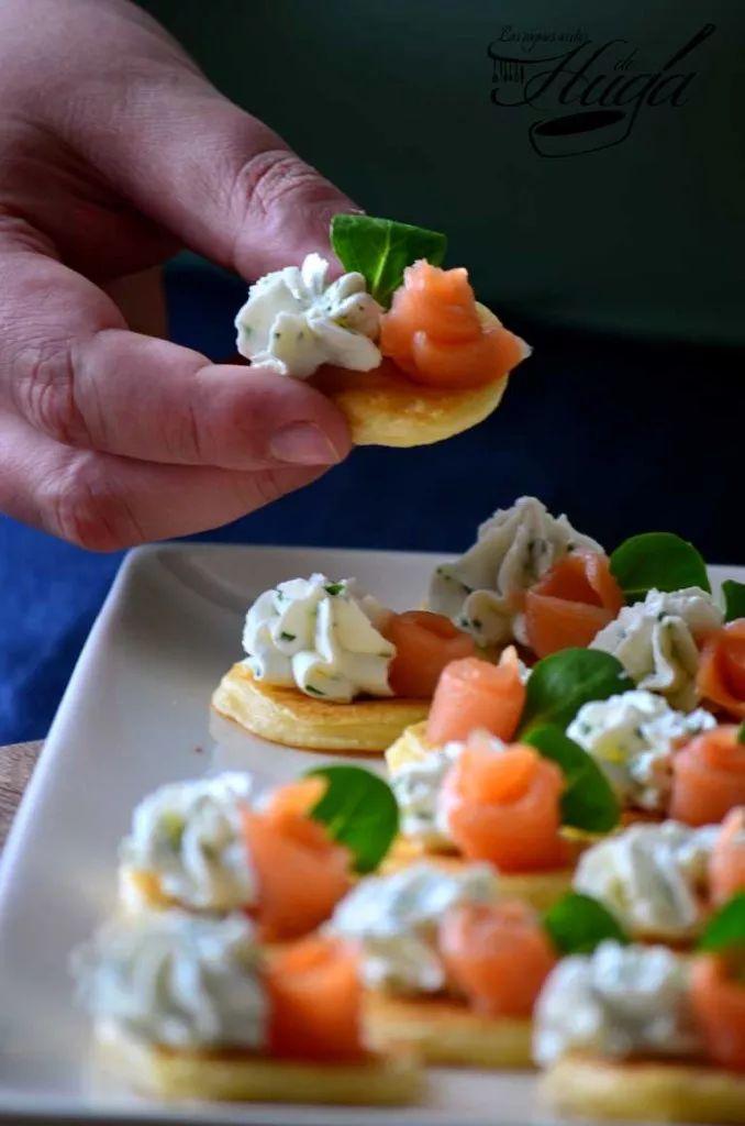 Blinis - unos #aperitivos maravillosos y fáciles, para que sorprendais al todo el mundo https://www.recetashuga.es/uBDt5