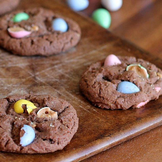 20 Easter Desserts: Cadbury Egg Choclate Cookies