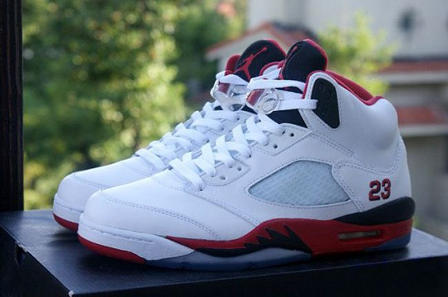 "Air Jordan 5 Retro ""Black Tongue Fire Red"" 
