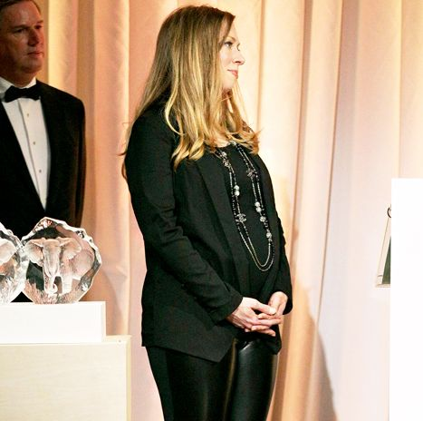Chelsea Clinton Pregnant, Wears Leather Pants: Picture - Us Weekly