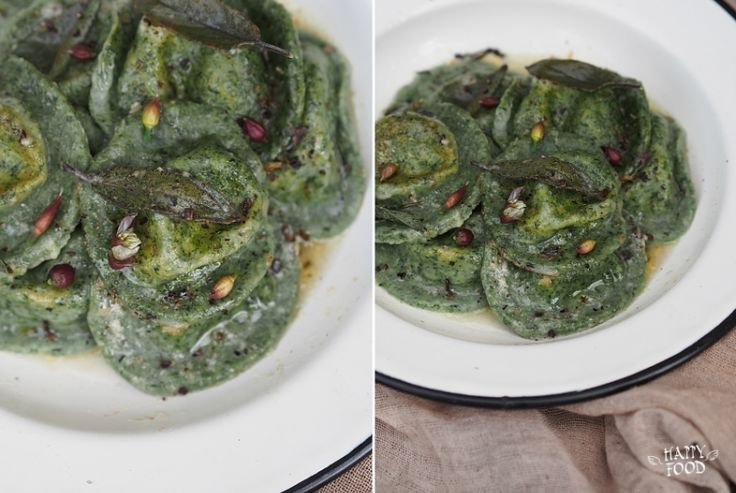 Крапивные равиоли с рикоттой, лимоном и чесноком -   Если у вас есть возможность собрать молоденькую крапивку - очень рекомендую приготовить эту пасту - очень вкусно, зелено, красиво (ну мне так кажется по крайней мере)))   #пища #паста #крапива #food #pasta #nettle