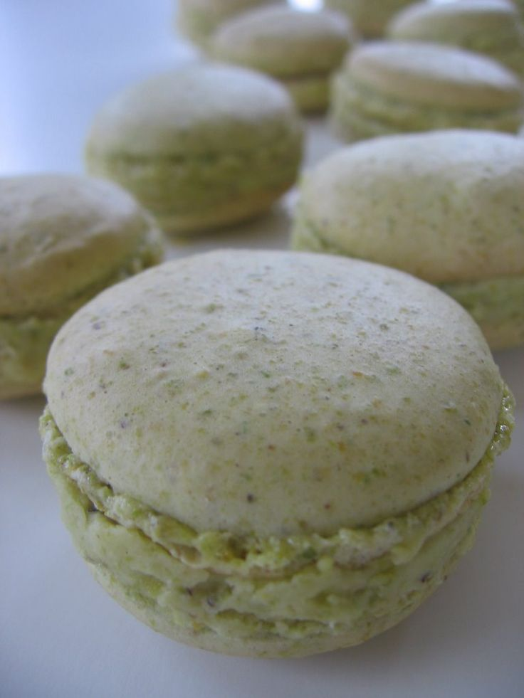 I mentioned in a previous post that I had a  disasterous result with Nigella Lawson's Pistachio Macaron recipe  from How to be  A Domestic G...