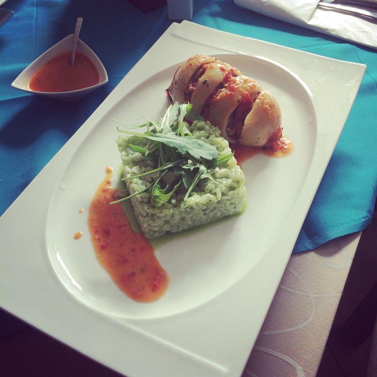 Filled calamari with parmezan and rucola risotto