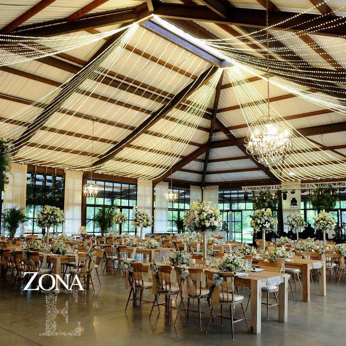 Espacios cómodos, llenos de vida y luz #ZonaELlanogrande es la plataforma perfecta para tus convenciones de ventas y eventos empresariales, por su ambiente creativo, natural e innovador. Un lugar único como tu marca. Llámanos al 3106159806/ 3106158616 y reserva desde ya tu espacio.#CasaBali #Eventos #Timetoparty #Celebration #yourstyle #Convenciones #Empresarios www.zonae.com