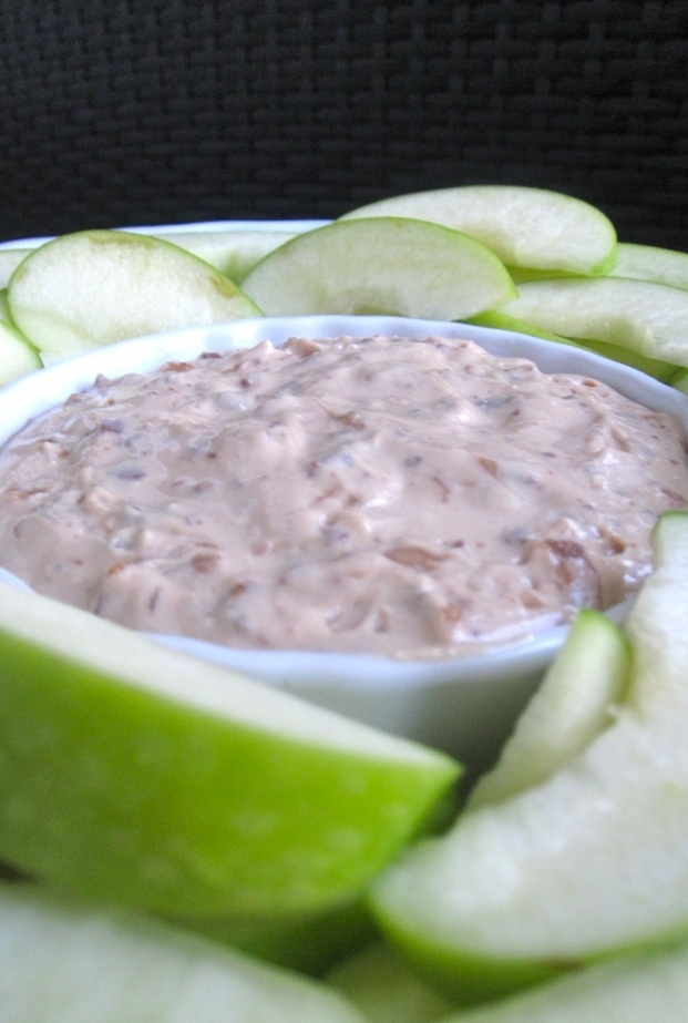 Heath Bar Toffee Dip: Heath bar toffee dip served with pineapple ...