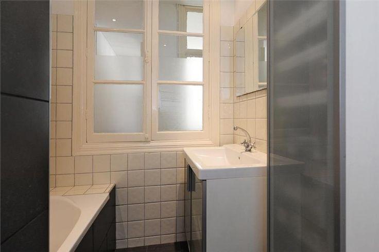 Leuk, raam binnenshuis. Bv van de keuken (onder het bovenlicht) naar de badkamer, als we daar ooit de bovenkasten (kunnen/willen) opheffen.