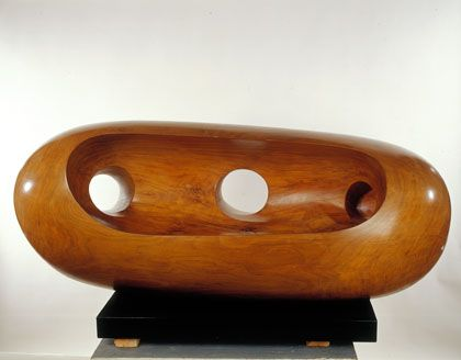 Barbara Hepworth River Form, American walnut, 1965 (BH 401), Hepworth Estate, on loan to the Ashmolean Museum, Oxford