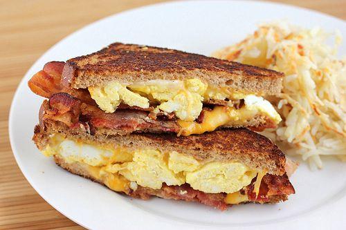 Breakfast Grilled Cheese: Breakfast Grilled Chee 2, Grilled Cheese Recipe, Grilled Chee Jon, Grilled Chee Recipe, Favorit Recipe, Grilled Chee Y, Grilled Cheesey, Grilled Cheeses, Chee Sandwiches