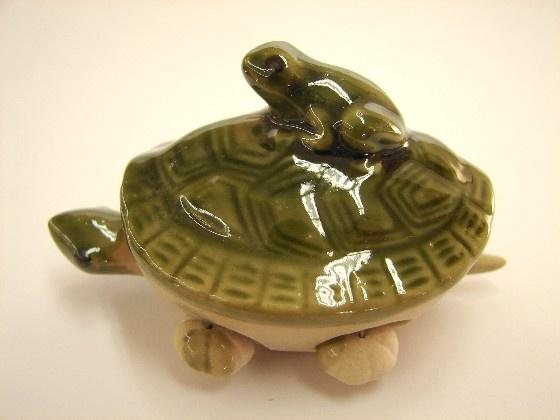 Feng Shui Green Money Frog on Turtle