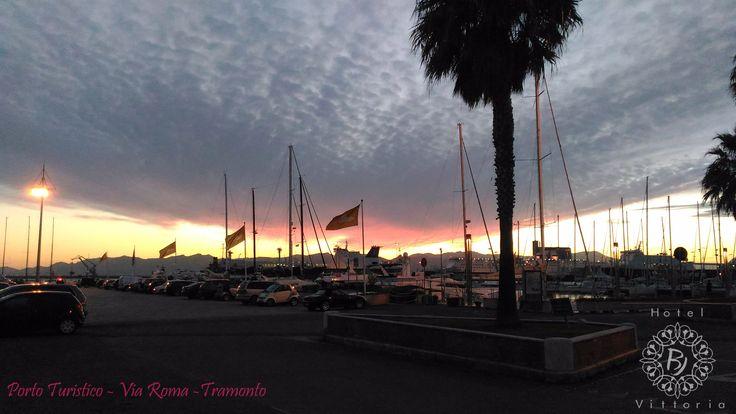 www.hotelbjvittoria.it #cagliari #italy #frontemare #porto #turistico #tramonto #passeggiata #ègiaestate #photographer #likeforlike #sardinia #isleofitaly #