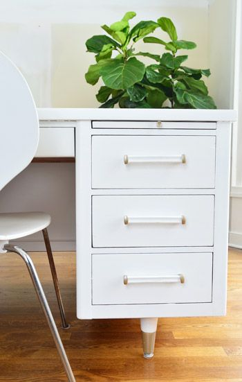 Save this home decor DIY upgrade to revamp a desk for your home office bought from Craigslist.