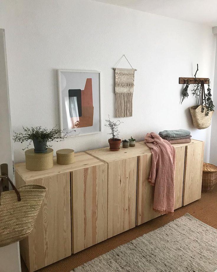 Ich liebe Holz und ganz besonders meine Ivarschränke, die immer noch ganz herrlich duften. Ich wünsche euch einen schönen Sonntag mit