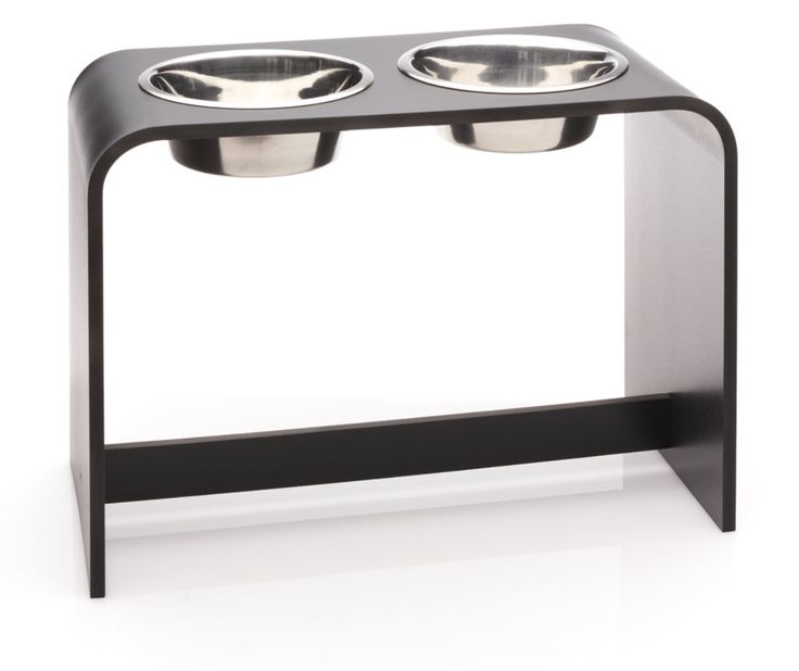 18 inch Elevated Dog Bowl with two 2 Quart Bowls
