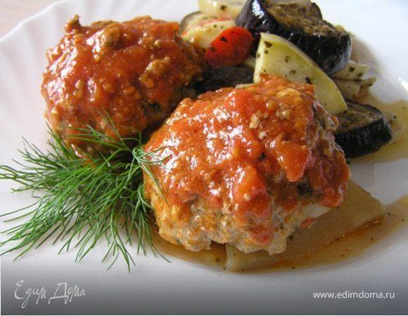Тефтели по-гречески с запеченными овощами.