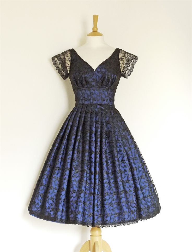 Dig For Victory. Midnight Blue Taffeta & Black Lace Sweetheart Prom Dress