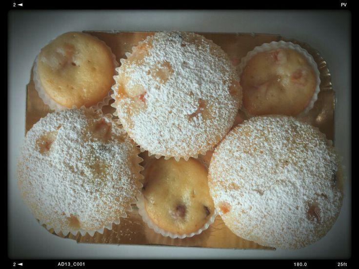 Muffins e mini-muffins allo yogurt con pesche e albicocche