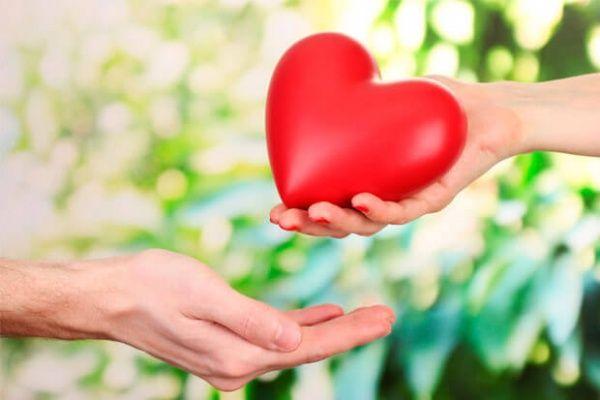 Onvoorwaardelijke liefde is de puurste en meest geweldige liefde die de wereld ons kan bieden. Eerst van onze ouders, dan van onze partner.