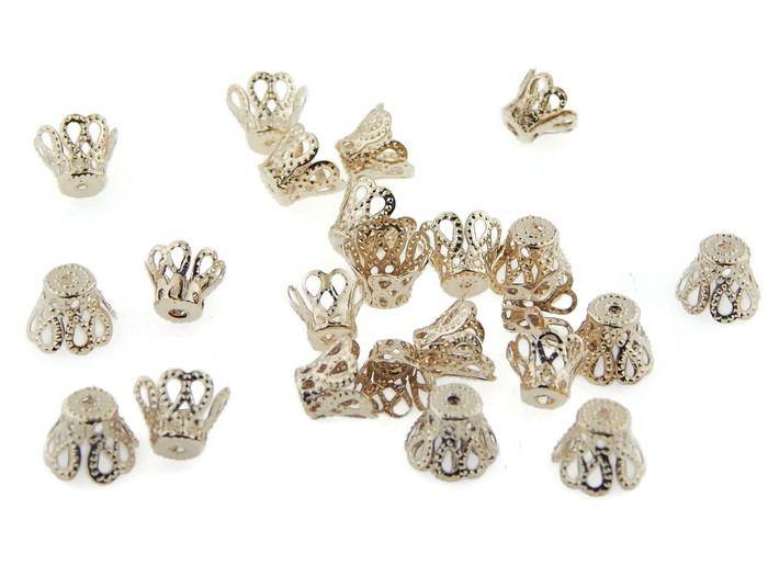 CAPCO05 Capuchón en chapa de oro 14k, ideal para para hilo o cuentas redondas, medidas 8mm, precio x gramo $3.10 pesos, precio medio mayoreo (100 gramos)$2.90, precio mayoreo (250 gramos)$2.70, precio VIP(500 gramos) $2.50