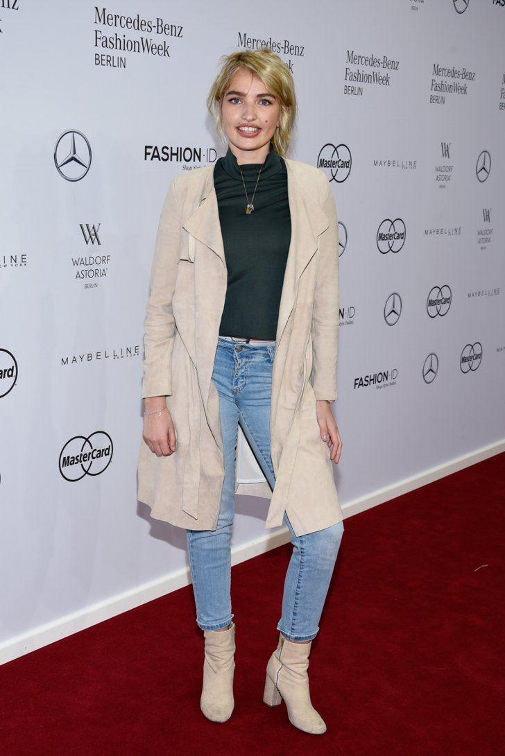 Pin for Later: Die Stars besiedeln Berlin bei der Fashion Week Sarina Nowak bei der Modenschau von Dimitri