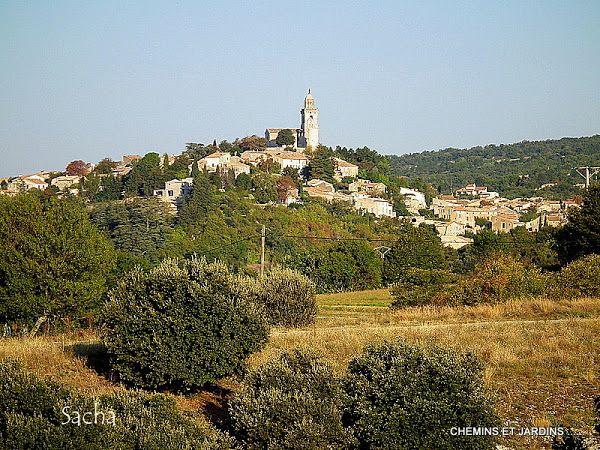 Village de Reillanne-Chemins et jardins  (blog  photo ):