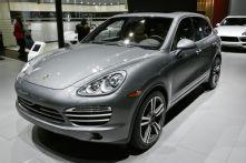 2014 Porsche Cayenne Platinum Edition Debuts on V-6 Gas, Diesel Models - 2014 Detroit Auto Show