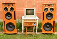 Proyectos electrónicos tales como amplificadores, consolas amplificadas, bocinas entre otros.