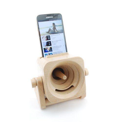 Soms zie je iets waarvan je denkt Wow! Waarschijnlijk heb je dit gevoel ook een beetje bij onze houten speaker Pantanal. Zijn looks wekken namelijk de indruk dat je nogal iets mag verwachten. Gelukkig is dit ook het geval… Het geluid van jouw smartphone wordt namelijk op indrukwekkende wijze versterkt! Een zeer toffe gadget dus om op de plek waar jij maar wilt te genieten van jouw favoriete tunes.