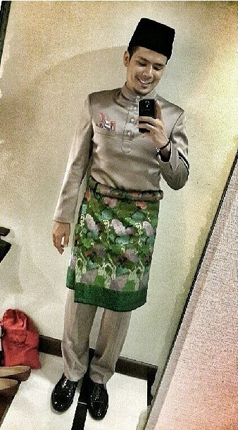 Awal Ashaari in RR - inspiration for groom's baju nikah