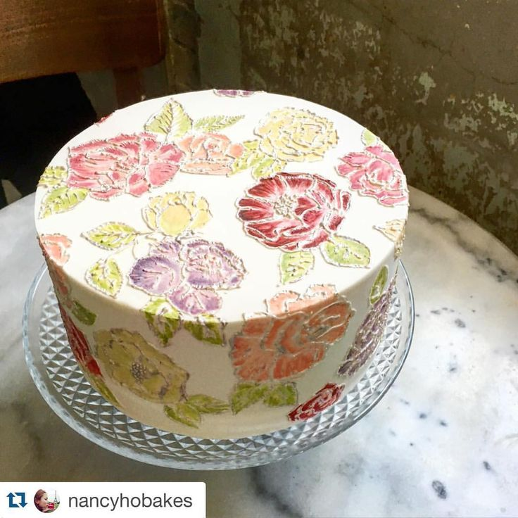 #Repost @nancyhobakes with @repostapp. ・・・ Introducing Elizabeth. She's feminine, dainty and exhibits some hand painted embroidery flowers. This one took a lonnngggg time to do but it was totally worth it! #floral #vintage #60s #cake #weddinginspo #cakeinspo #brisbane #nancyhobakes #lace #embroidery #bridalshower #birthdaycake #patisserie #baking #peonies #roses #poppies #feminine