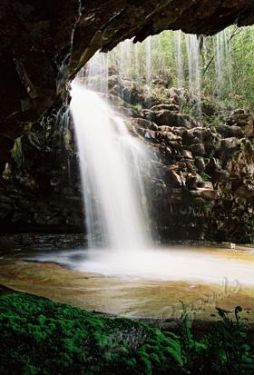 Cachoeira das Bromélias , Iramaia