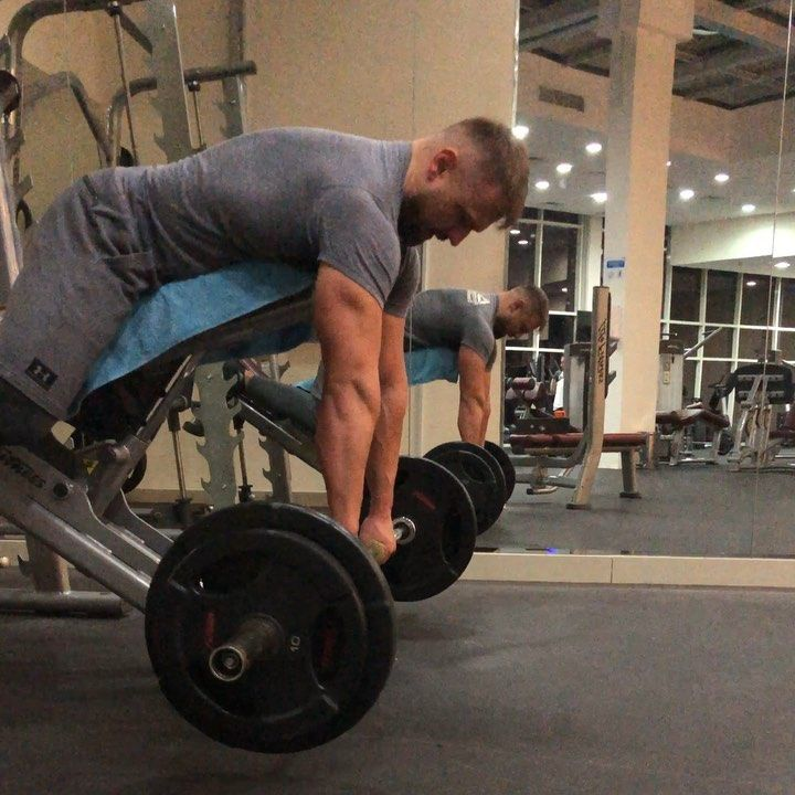 Flat Or Little Incline Bench For Chest Supported Barbell Rows I Think This Is The Best Isolated Version Of Rowing Barbell Row Personal Trainer Incline Bench