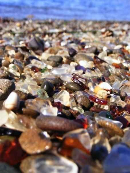 #GlassBeach #FortBragg #California  http://www.smartraveller.it/2013/11/12/glass-beach-fort-bragg-california/