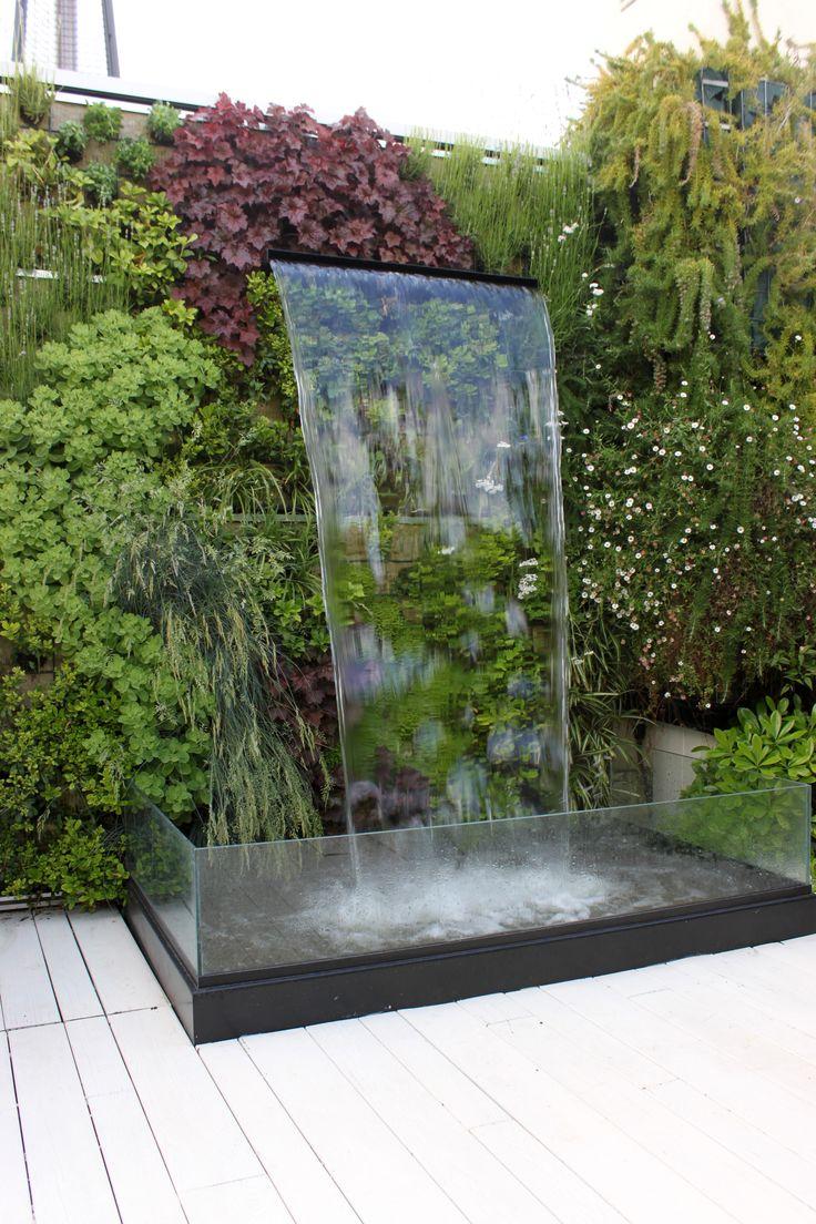 Fuente de jardín en terraza #jardines #terrazas #paisajistas #diseño #exterior…