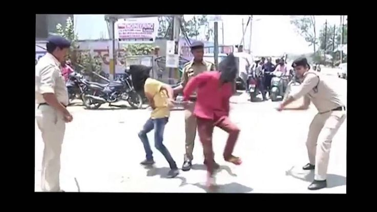 Top 5 Indian Police Beating Criminal Caught On Camera. NO Medical Expenses Required- it would heal with time...